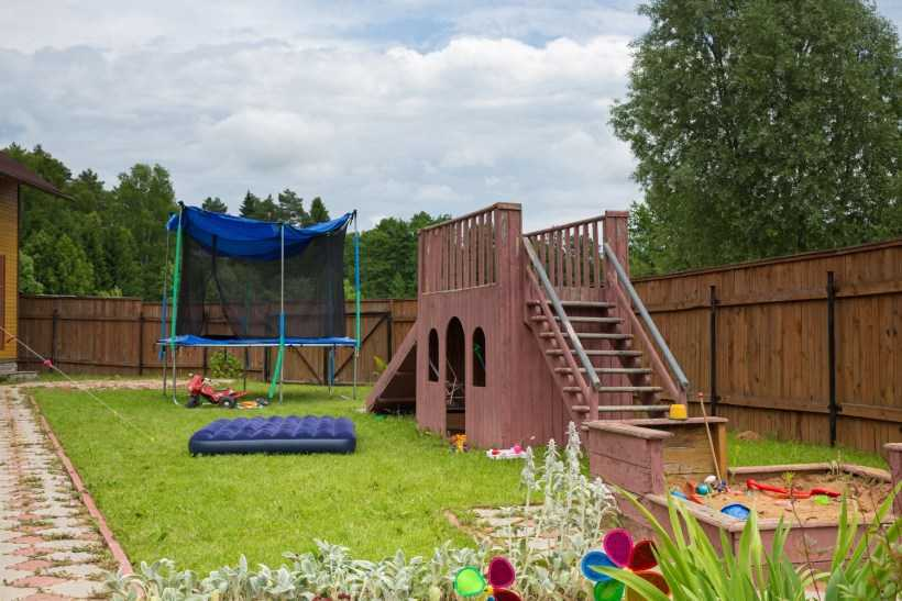 Детская площадка своими руками: поэтапный мастер-класс по созданию и обустройству своими руками, выбор размера и места сооружения